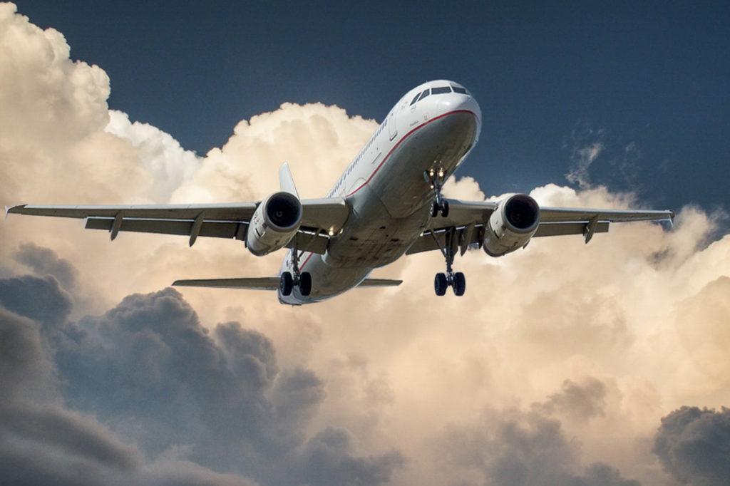 Forscher simulieren Crash mit Flugzeug